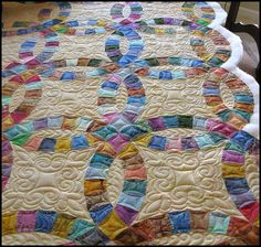 Double Wedding Ring quilt//// WEDDING FOR CHRISTA  DUE BY JANUARY 12 SEND EXAMPLES TO MOM ON QT