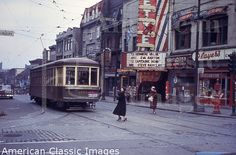 cinema alouette 1950's Old Montreal, Montreal Quebec, Montreal Canada, Photos Du, Old Photos, Vintage Photos, Movie Theater, Public Transport, Old Pictures