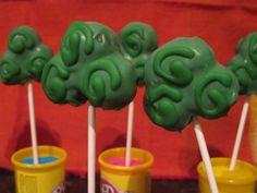 Clover Shaped Cake Pops