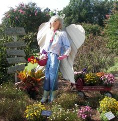 Scarecrow angel--from Huntsville, AL, 2008 Scarecrow Trail