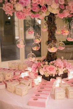 Wedding Favour Displays, Candle Wedding Favors, Bridal Shower Centerpieces, Quince Centerpieces, Candy Centerpieces, Quinceanera Centerpieces, Centerpiece Ideas, Beach Wedding Tables, Wedding Table Flowers