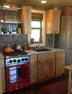 An off-grid, 772 square feet home in Littleton, Colorado. (pinned by haw-creek.com)