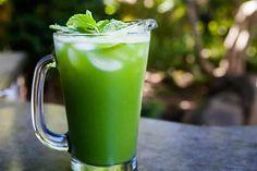 Cocktail concombre menthe citron vert au thermomix. Voici une recette rafraîchissante de Cocktail concombre menthe citron vert sans alcool, une recette simple et facile à réalise au thermomix.