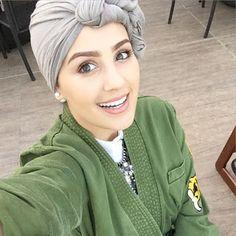 سناب شات اسيا عاكف مدونة كويتية مهتمة بالتصميم و الموضة