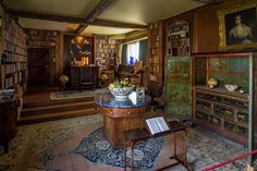 Sissinghurst Castle Library, Kent https://c2.staticflickr.com/2/1641/24398057732_bf0f3b084e_b.jpg