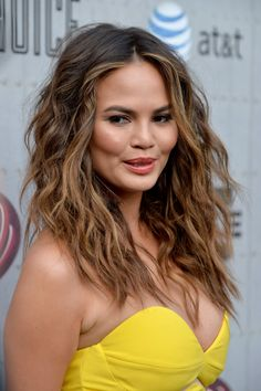 Chrissy Teigen's perfectly bronde hair