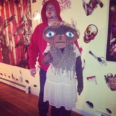 Elliott and E.T. in drag costume #halloween