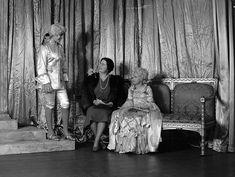 Princess Elizabeth (Queen Elizabeth II) dressed as Prince Charming with Queen Elizabeth, The Queen Mother and Princess Margaret as Cinderella during a royal pantomime at Windsor Castle, Berkshire, Great Britain, 21 December Princess Elizabeth, Princess Margaret, Queen Elizabeth Ii, Old Mother, Queen Mother, Royal King, Queen News, Windsor Castle, Blue Bloods