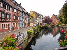 Can't wait to go back to France!  And this town will be on my list.  :o)  It's so cute!