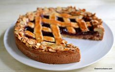 Linzer Torte rețeta de prăjitură cu gem și gratii din aluat fraged   Savori Urbane Sweet Tooth, Mango, Cheesecake, Food And Drink, Pie, Baking, Desserts, Cookies, Manga