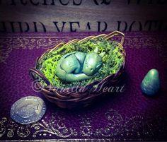 1:12 Baby Dragon By Vanilla Heart Miniatures x