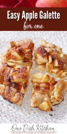 A single serving dessert made with 1 apple and a few pantry staples spooned into an easy to make crust. Single Serve Desserts, Single Serving Recipes, Apple Recipes, Snack Recipes, Dessert Recipes, Fall Recipes, Small Meals, Meals For One, Easy Apple Galette Recipe