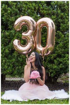 Dirty Thirty Photoshoot for a birthday adult cake smash with rose gold b. 30th Birthday Themes, 30th Birthday Ideas For Women, Thirty Birthday, 30 Birthday Cake, Birthday Cakes For Women, Birthday Woman, 16th Birthday Decorations, Pink Smash Cakes, Cute Birthday Pictures