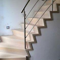 Moderne z-trap en open trap in hout