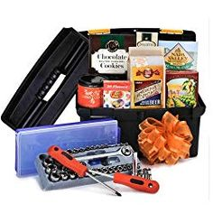 Mechanic Lover's Toolbox - Gourmet Gift Baskets For All Occasions Thank You Baskets, Baskets For Men, Fathers Day Baskets, Champagne Gift Baskets, Cute Boyfriend Gifts, Mechanic Gifts, Gourmet Gift Baskets, Gourmet Recipes, Toolbox
