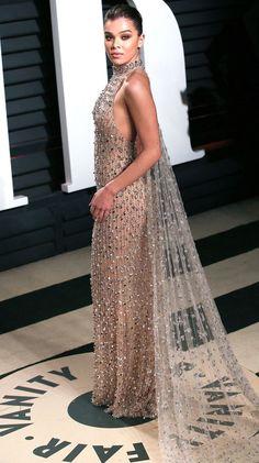 The best dresses of awards season - Hailee Steinfeld in Ralph & Russo