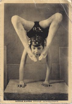 The Two Germanys Little Wanda. Vintage Photographs, Vintage Photos, Circus Acts, Ghost In The Machine, Circus Performers, Night Circus, Vintage Circus, Creepy Vintage, Circus Theme