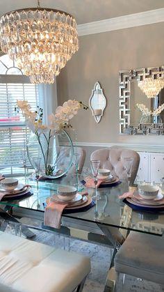 Dining Room Table Decor, Elegant Dining Room, Beautiful Dining Rooms, Dining Room Design, Dining Room Decorating, Grey Dinning Room, Dining Room Chandeliers, Formal Dining Decor, Luxury Dining Room