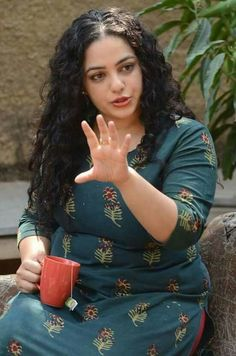 Nithya Menen Movie Photos, Stills Actress Anushka, Bollywood Actress, Beautiful Indian Actress, Beautiful Actresses, Nithya Menen, Pinterest Girls, Actress Pics, Plus Size Beauty, Indian Celebrities