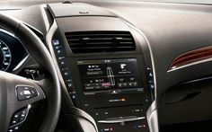 2013-lincoln-mkz-middle-console-