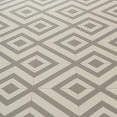 Mardi Gras 592 Sagres Grey Patterned Vinyl Flooring