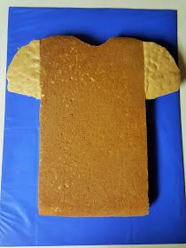 Triplets + Toddler: DIY Football Jersey Cake Best Picture For Football Cake buttercream For Your Taste You are looking for something, and it is going to te Football Themed Cakes, Football Birthday Cake, Cake Birthday, Birthday Nails, Cheap Clean Eating, Clean Eating Snacks, Liverpool Cake, Shirt Cake, Pear Cake