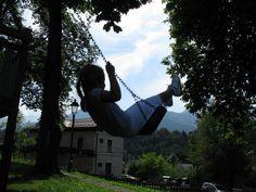 Ho visto Nina volare tra le corde dell'altalena, via Flickr.