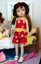 PuFF BuTToN DoLLy CLuB!..for Tonner Patsyette,Tiny Betsy McCall dolls. 2 Pc outfit of the shorts and ruffle top set. Click the pix to see where to purchase it.