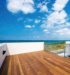 住宅常設展示場 沖縄生まれの木造規格住宅 新しい可能性を追求した最上級「プレミアム」タイプのモデルハウスです。
