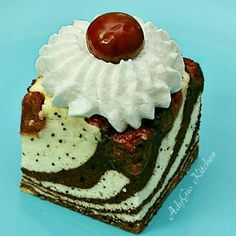 Romanian Desserts, Sweet Treats, Cakes, Food, Hillbilly, Sweets, Pineapple, Cake Makers, Candy