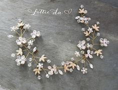 Wire Hair Vine / Wedding Hair Accessory / Half Halo / Gold Silver Rose Gold Hair Vine / Vintage Style This beautiful wire hair vine is a lovely finishing touch for the boho chic bride. A mix of clear crystals, crystal pearl flowers, gold metal leaves and brushed champagne metal