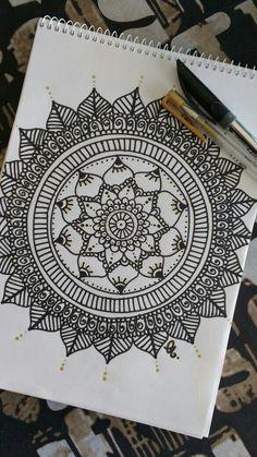 #mandala #paper Doodle Art Drawing, Zentangle Drawings, Mandala Drawing, Art Drawings, Doodle Patterns, Zentangle Patterns, Mandala Doodle, Mandala Artwork, Sharpie Art