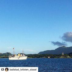 Kongelige omgivelser. #reiseliv #reisetips #reiseblogger #reiseråd  #Repost @ballstad_lofoten_sissel (@get_repost)  Celebert besøk i Lofoten  #kongeskipet#buksnesfjorden