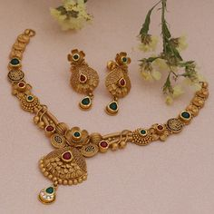 Gold Necklace Simple, Gold Jewelry Simple, Gold Wedding Jewelry, Trendy Jewelry, Gold Chain Design, Gold Bangles Design, Gold Jewellery Design, Diamond Jewellery, Antique Jewellery Designs