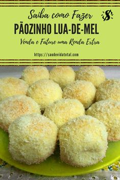 Pãozinho d lua de mel Sweet Recipes, Cake Recipes, Croissant Recipe, Wedding Cakes With Cupcakes, Cooking Recipes, Healthy Recipes, Mini Desserts, I Love Food, Yummy Cakes