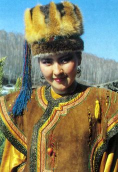 "Altays-one of the folk south Siberia in Russia. 67000 people . live in Altai mountains. In base of name word "" gold """