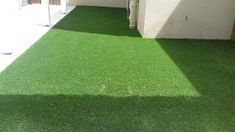 This unique artificial turf wall is a really inspirational and really good idea Solid Wood Flooring, Laminate Flooring, Vinyl Flooring, Hardwood Floors, Astro Turf, Artificial Turf, Outdoor Areas, Engineered Wood, Cape Town
