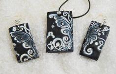 conjunto de colgante y pendientes en arcilla polimérica (fimo) mariposa blanca  arcillla polimérica-fimo modelado artesanal