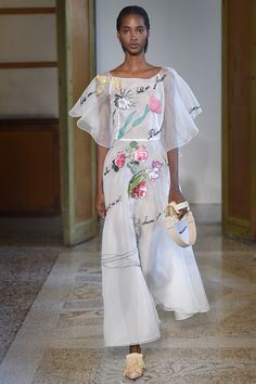 Blumarine Spring 2017 Ready-to-Wear Fashion Show Collection