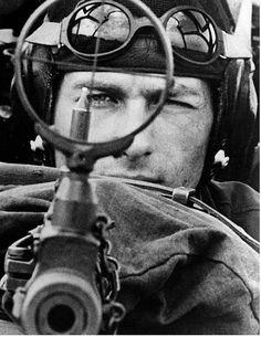 Military and Aviation German bomber gunner. Luftwaffe, War Tattoo, Armor Tattoo, Norse Tattoo, Viking Tattoos, Tattoo Ink, Sleeve Tattoos, Photo Avion, Foto Portrait