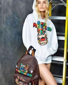 """Kolekcja """"Super Moschino"""" z okazji 30 urodzin """"Super Mario Bros""""  http://feszyn.com/kolekcjasuper-moschino-z-okazji-30-urodzinsuper-mario-bros/  #moda #fashion #prefall #kolekcja #dress #sukienka #Moschino"""