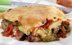briam me krousta tiriwn Briam, Greek Recipes, Sandwiches, Beef, Meals, Chicken, Cooking, Food, Meat