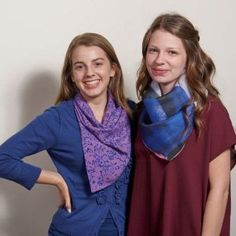 How to Make a Cowl Scarf - THREADS magazine site. Great source for projects, tips, & tutorials