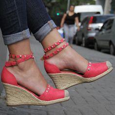 Espadrille super charmosa #shoestock #outubrorosa #bolsasaco  Ref 09.04.0116