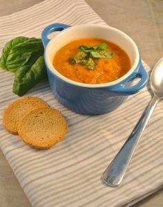 Zelfgemaakte tomatensoep in 15 minuten - Lekker en Simpel