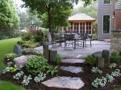 Love the patio brick colors with the stepping stones