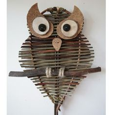 Owl with big eyes, level from 8 years old. Even if this owl … - The source of information passes through us Owl Crafts, Diy Crafts For Kids, Arts And Crafts, Quick Crafts, Willow Weaving, Basket Weaving, Paper Weaving, Weaving Art, Art Corner