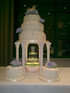 Beautiful Wedding Cake With Fountain