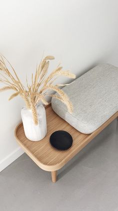 KK Bench is designed as a furniture for the hallway, however it also fits perfectly in the bedroom or living room. It is possible to add your own personal touch to KK Bench, as you can style the free space with e.g. plants, books, vases or as a place for your bag. #byklipklap #bench #kkbench #wood #interior #furniture #interieurinspiratie #bankje #aprilandmay #scandinaviandesign