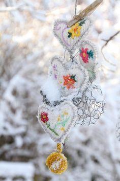 DIY *Winter-Garten-Herzen* Winterdekoration für den Garten  (Bildquelle: Living & Green)